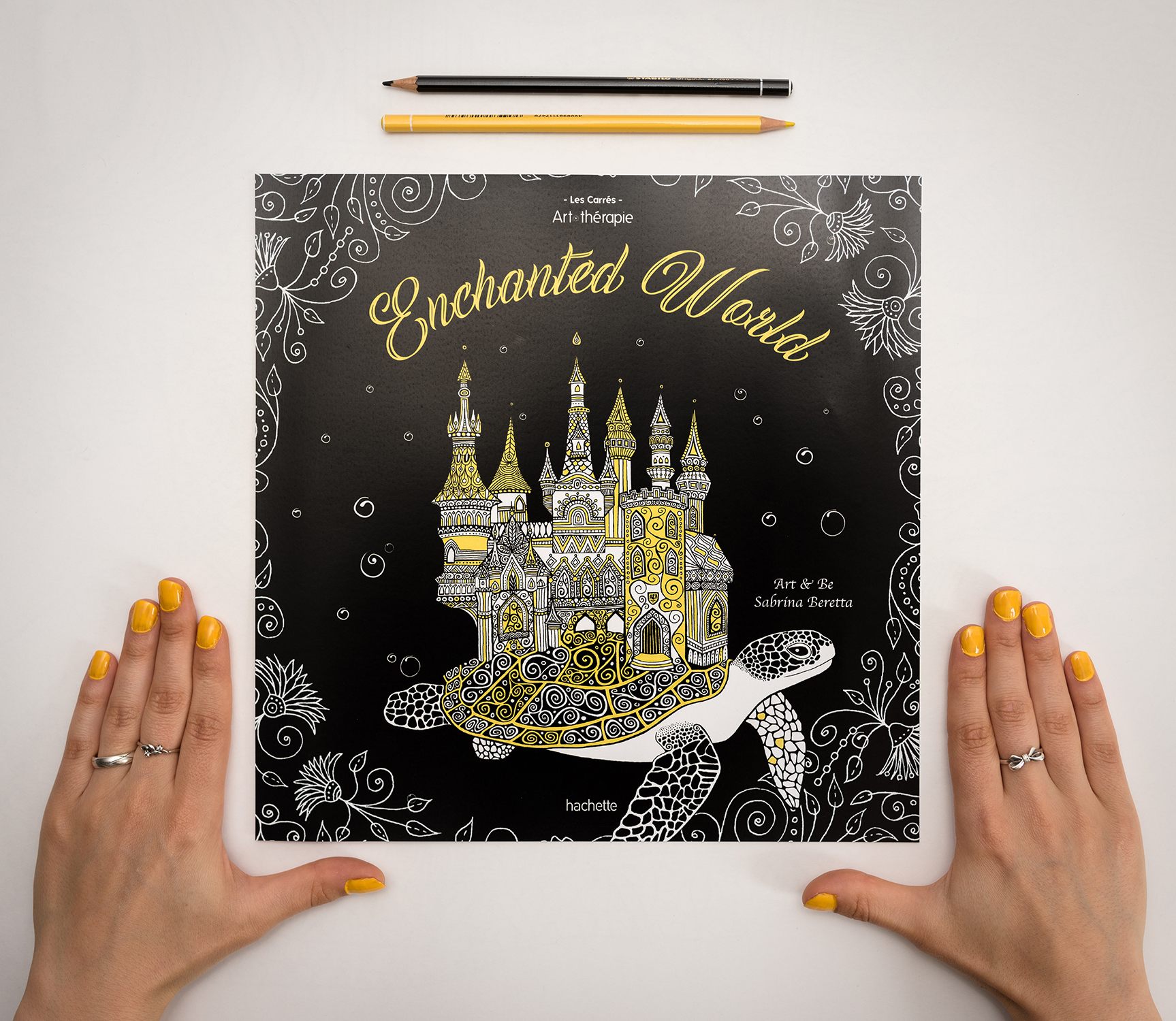 Enchanted World, livre de coloriage illustré par Sabrina Beretta alias Art et Be