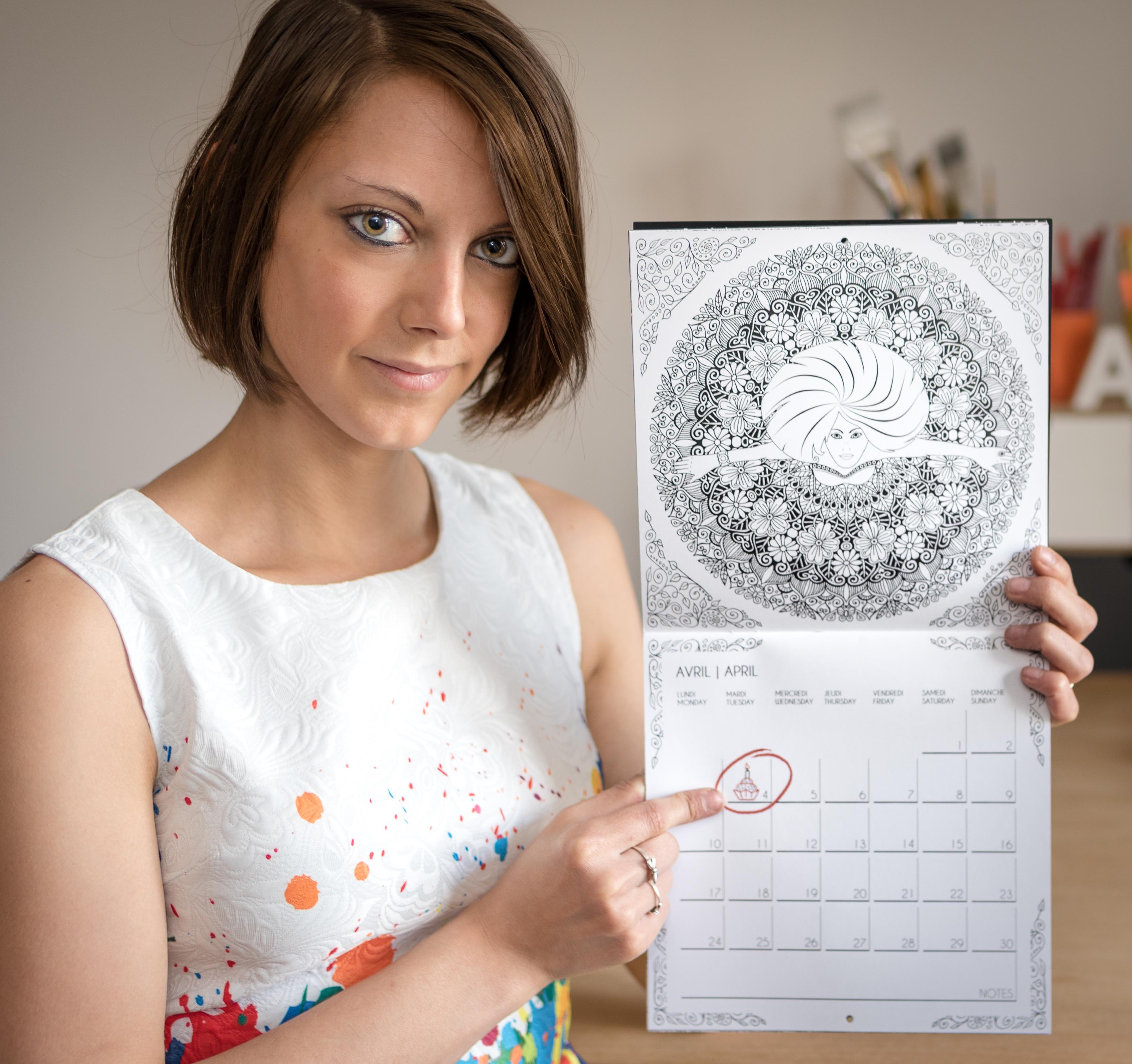 Sabrina Beretta présente son calendrier à colorier