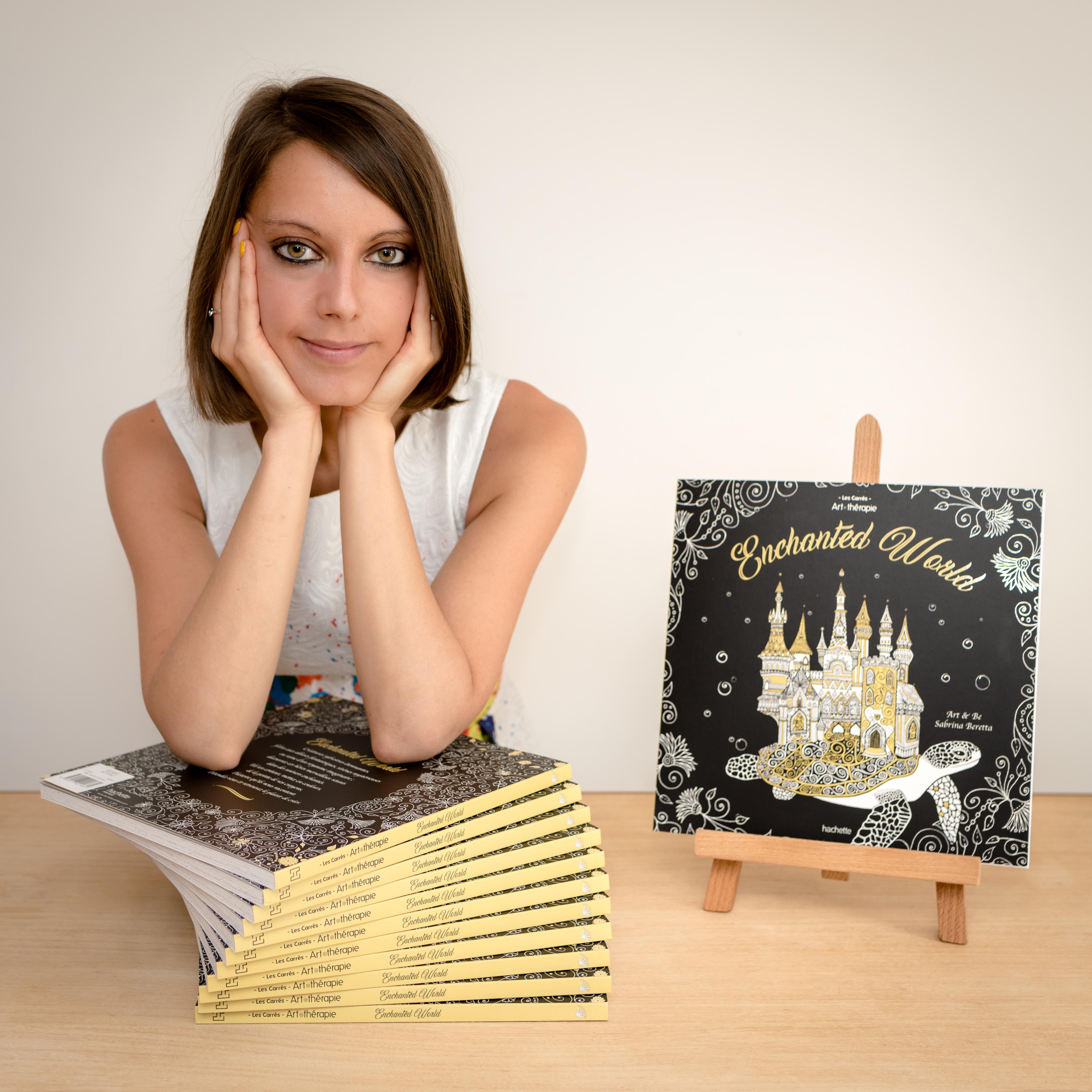 Sabrina Beretta présente son livre de coloriage Enchanted World aux éditions Hachette
