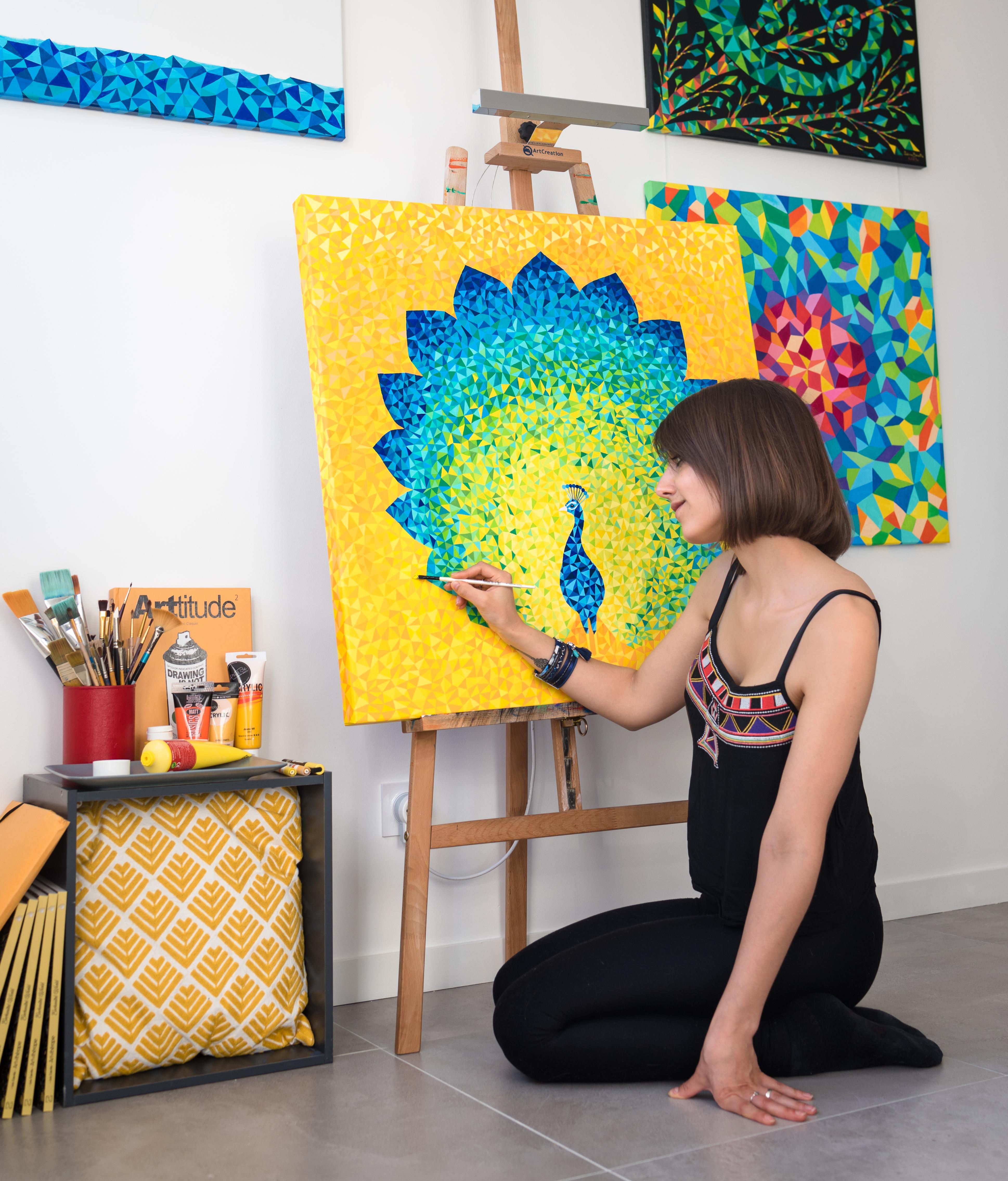 Art & Be - Sabrina Beretta - artiste peintre et sa peinture paon géométrique