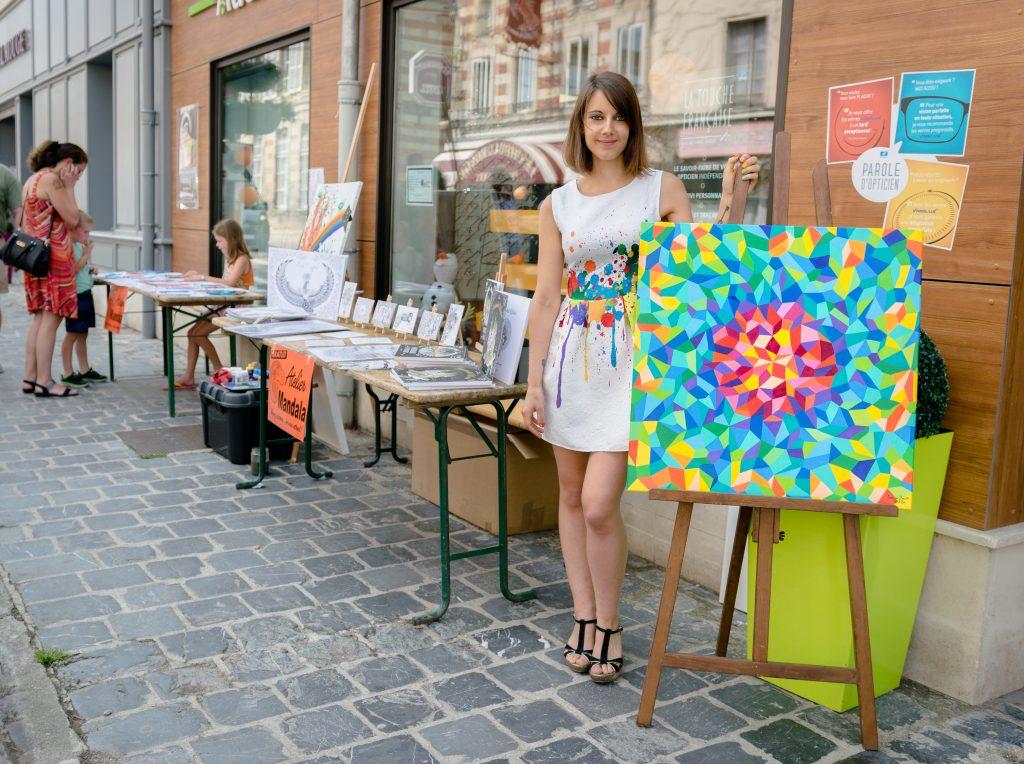 Sabrina Beretta artiste peintre et illustratrice participe à la journée des peintre de Sainte-Ménéhould