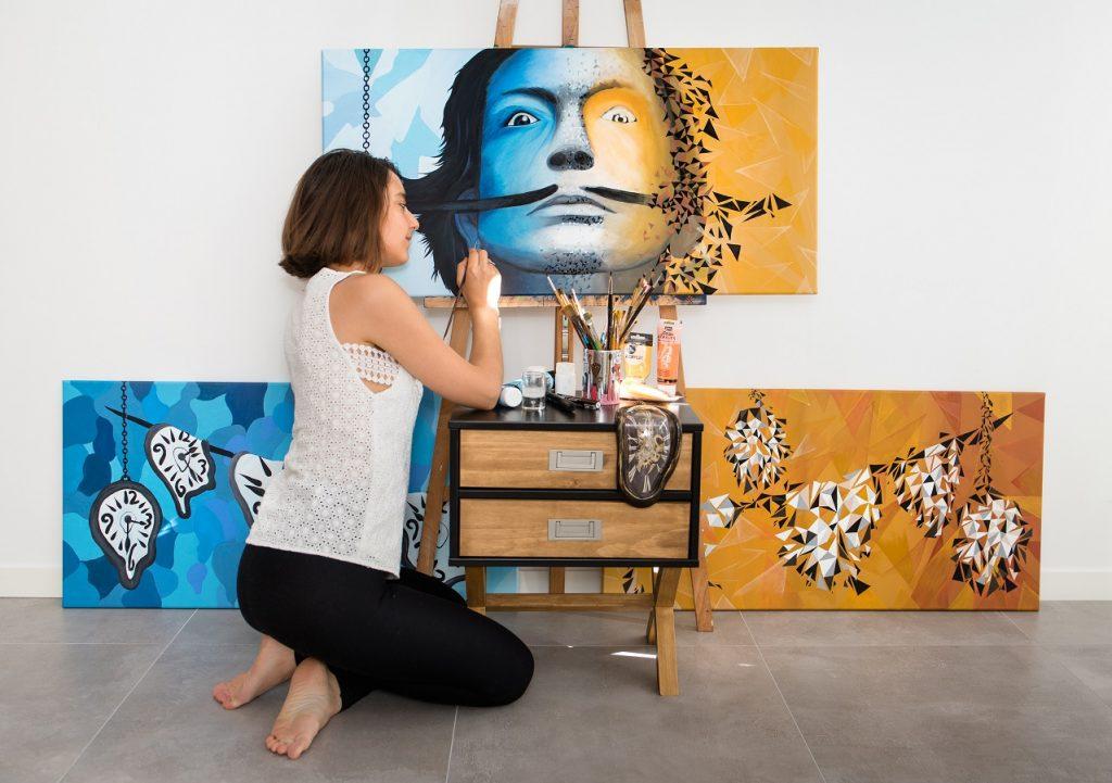 fresque en peinture sur triptyque hommage au génie Dali par Sabrina Beretta