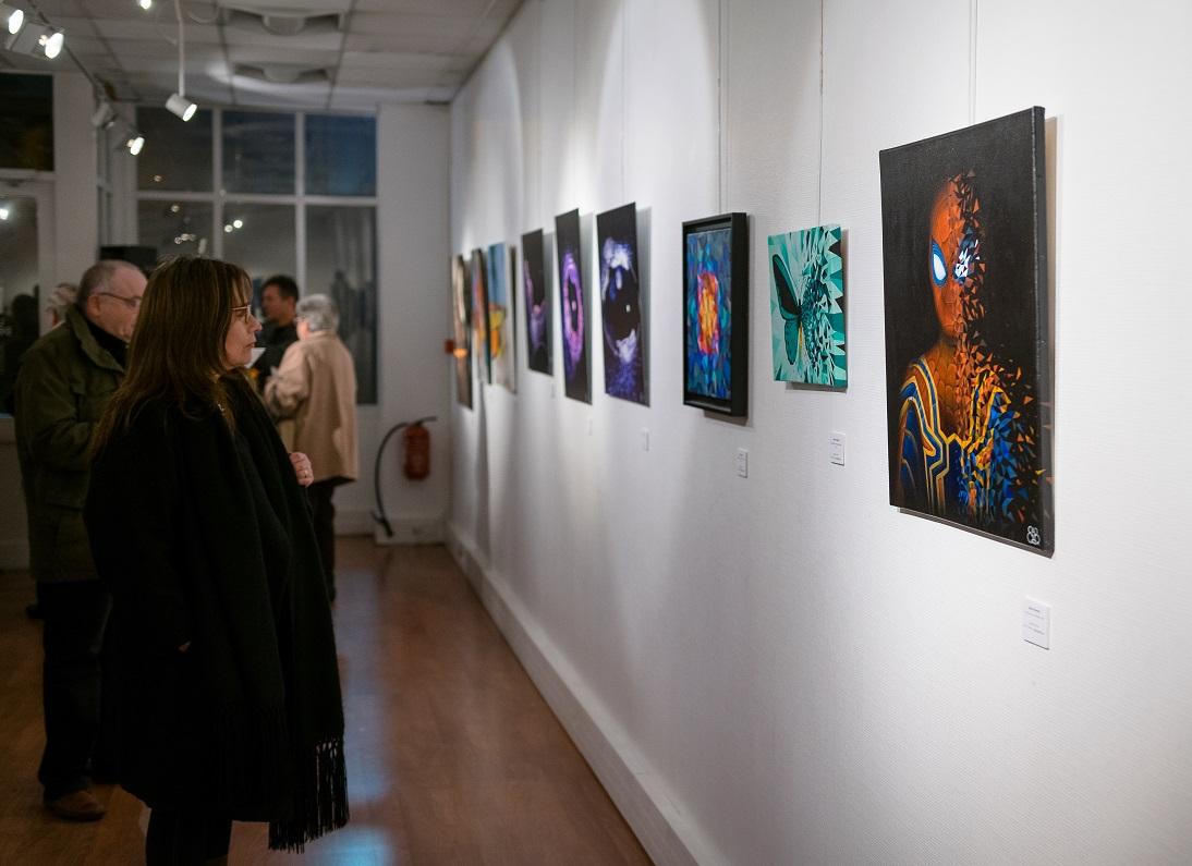 Les oeuvres de Sabrina Beretta appréciées du public à l'exposition Matière et Lumière de Montigny-les-cormeilles