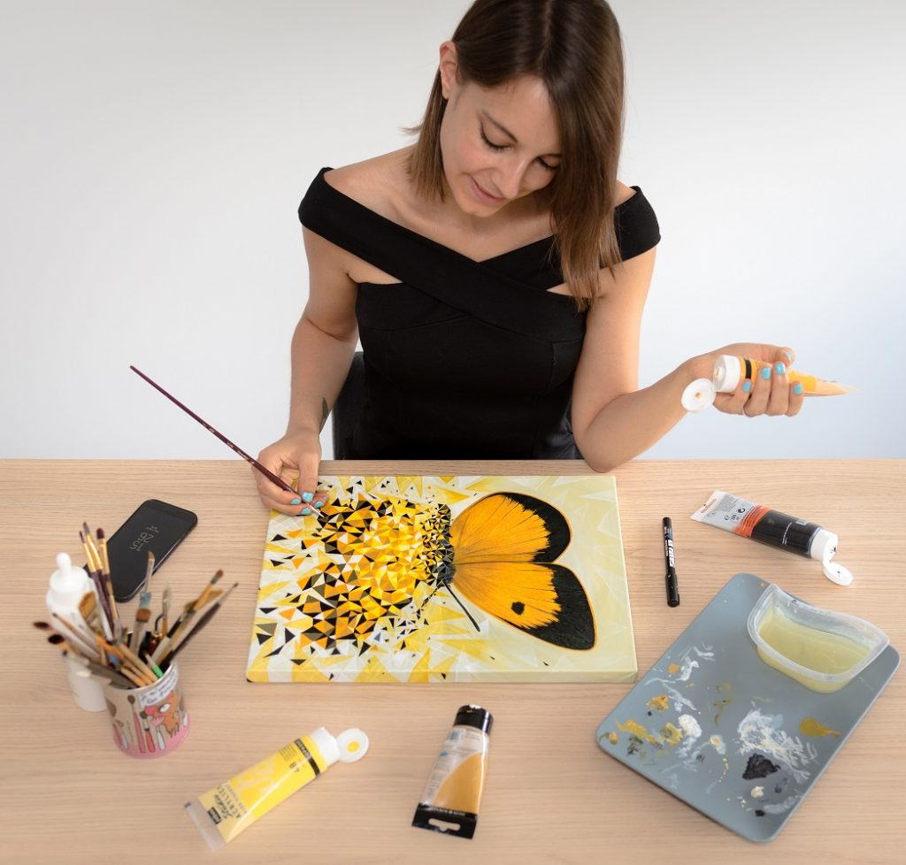 Papillon jaune et géométrique par Sabrina Beretta