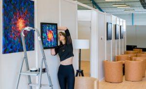 Sabrina Beretta décore l'espace VIP des artistes du Cabaret Vert 2019